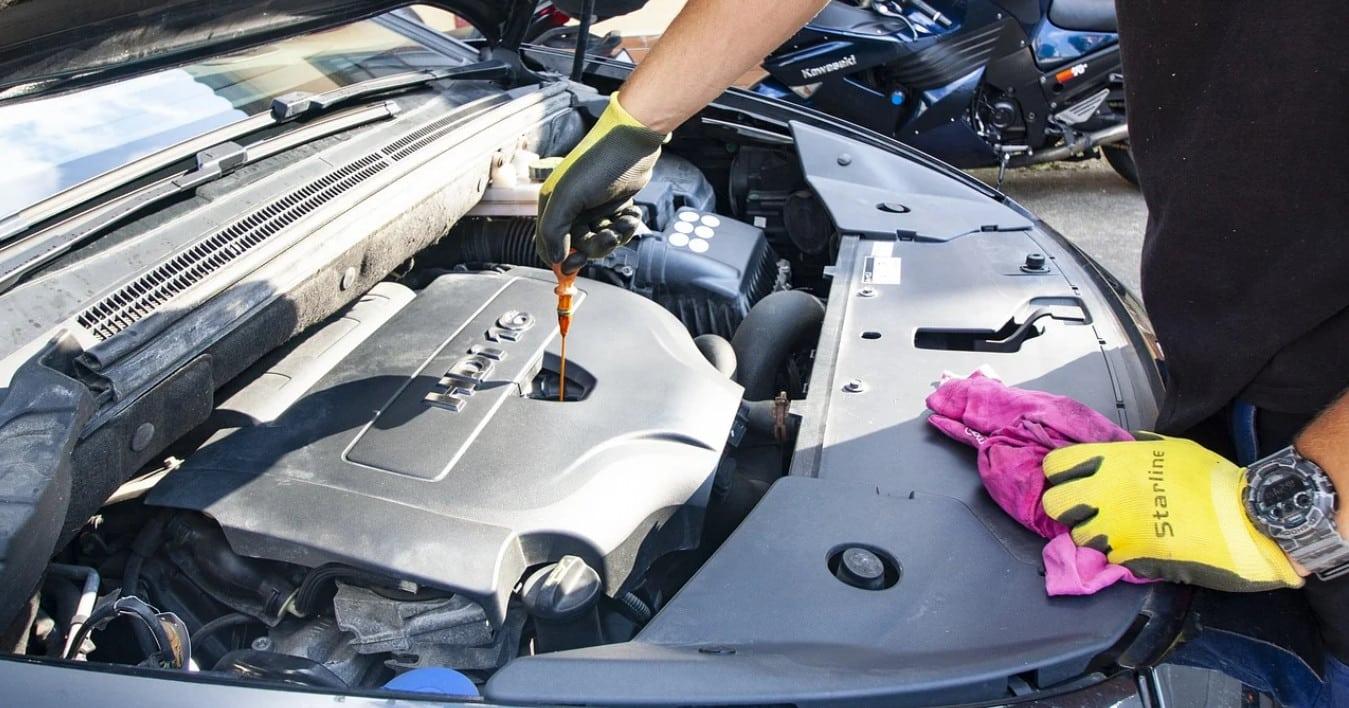 Comparatif pour choisir la meilleure huile moteur